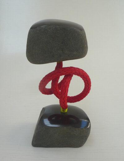 2020-Dualité-Granit, Filin rouge-Ht 27cm x 13cm