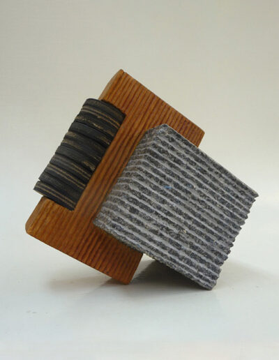 2013-Brise Lame-Granit,Bois,Caoutchouc-HT 24 cm x 25 cm