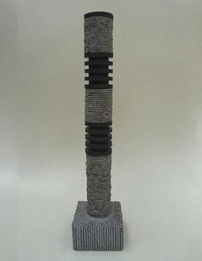 2013-Le poids des choses-Granit,Caoutchouc-HT 65 cm x 12 cm